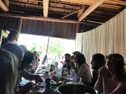 Vi firade midsommar med våra vänner som bor grannar med stallet, så mysigt och trevligt!